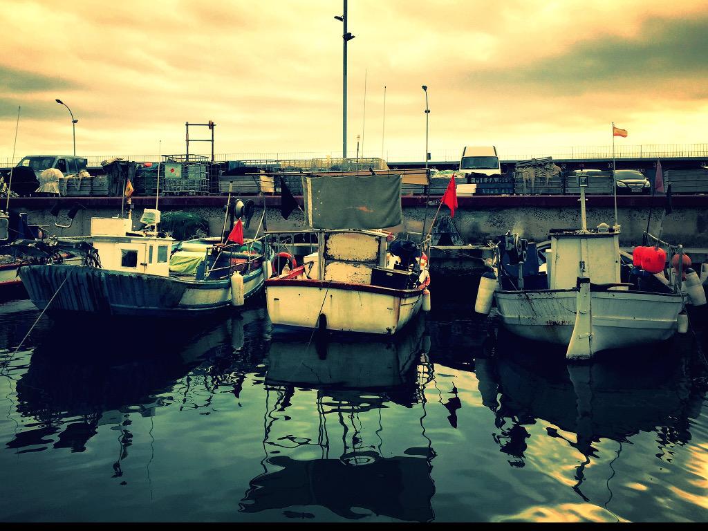 Barcos en el puerto de Arenys de Mar