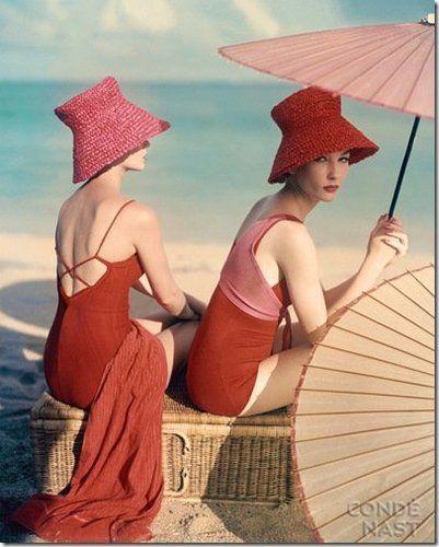 """""""Under Parasols at the Beach"""" de Louise Dahl-Wolfe para Vogue 1963"""