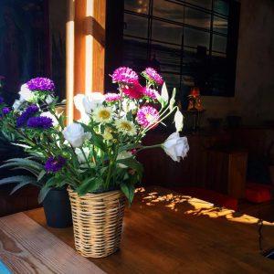 Hoy y siempre todos necesitamos flores Estas estn en unhellip
