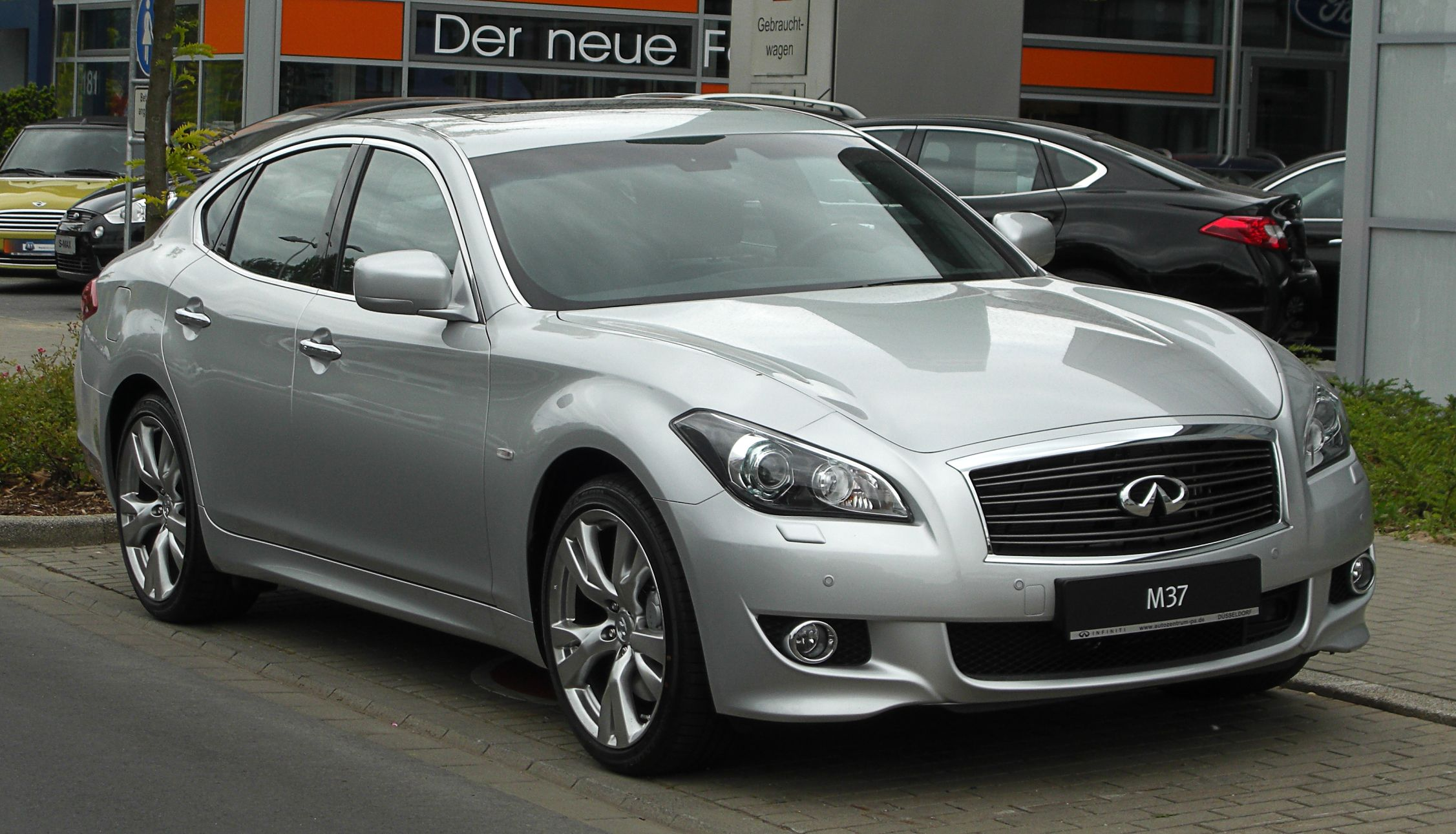 infiniti-1-japoneses-rockinchiclifestyle