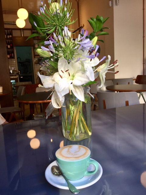 auto-rosellon-café-flores-rockinchic-lifestyle