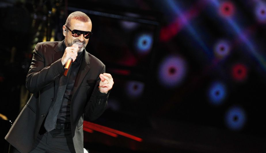 NED12. Rotterdam (Netherlands), .- (FILE) - A file picture dated 10 October 2011 shows British singer George Michael performing on stage at the Ahoy Rotterdam, The Netherlands. According to reports on late 25 December 2016, British popstar George Michael has died peacefully at home at the age of 53, his publicist has announced. (Países Bajos; Holanda) EFE/EPA/ADE JOHNSON