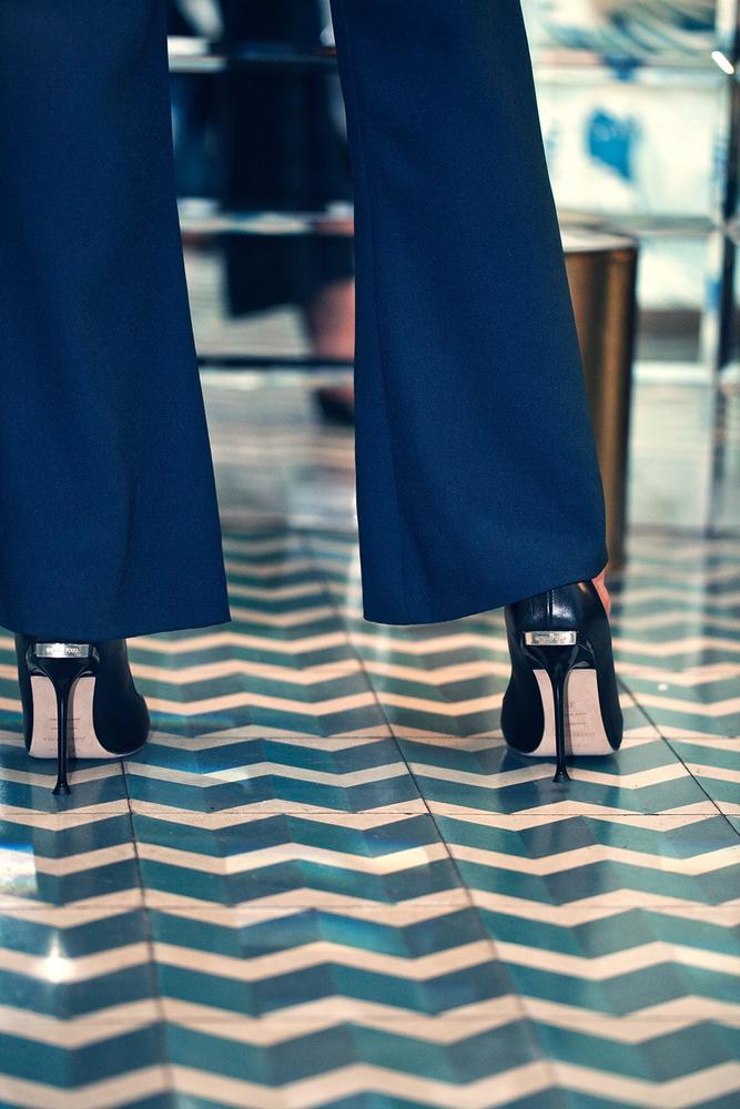 TACONES: MANUAL DE SUPERVIVENCIA (Zapatos Sergio Rossi)
